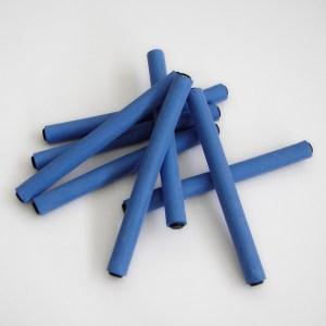 Profesionálne ohybné natáčky, latexové papiloty, sú vyrobené s extrémne odolného materiálu s výnimočnou citlivosťou pre vlasy, 6ks. Farba-modrá. Priemer: 1,2cm. Dĺžka: 13cm.