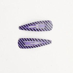 Krásne sponky pukačky do vlasov kovové s pruhmi pre ženy a detíčky, 2ks. Farba- fialová. Rozmer: 4cm.