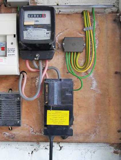 domestic electrical wiring diagram uk 2005 jeep grand cherokee laredo earthing types - diywiki