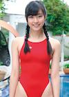 藤谷澪の赤い競泳水着