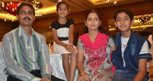 Sugandha Date with her family