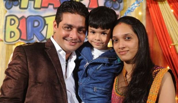 Hindustani bhau with his wife and son