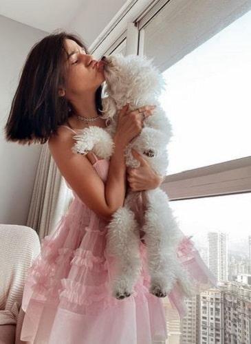 Meghna Kaur and her pet dog