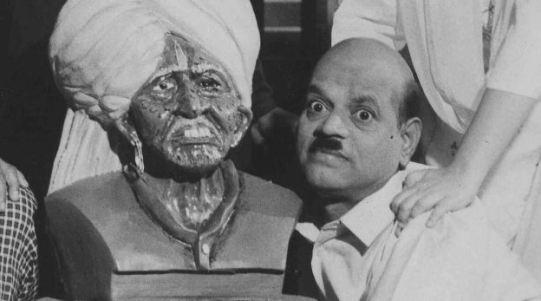 Kishore Nandlaskar in Bhole Dambis