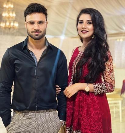 Rahim Pardesi with his sister, Hamna