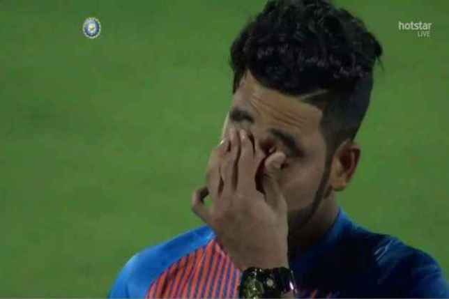 Mohammed Siraj getting emotional and crying