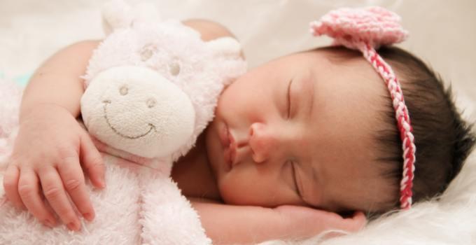 Menidurkan bayi saat sudah mulai tertidur