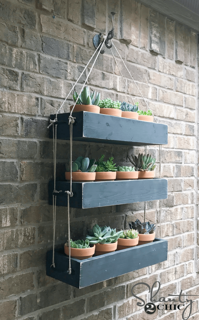 Outdoor-Hanging-Planter