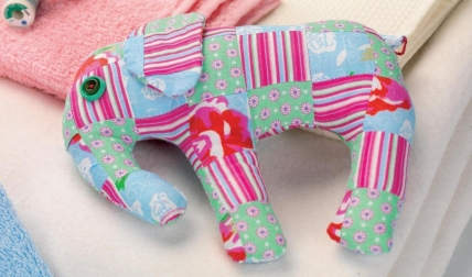 Use_fabric_scraps_to_sew_an_elephant_428_252_s_c1