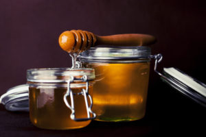 how to make 4 honey treatments for damaged and dry hair