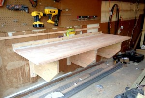 83-diy-folding-workbench