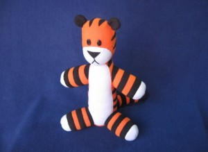 524-Stuffed-Hobbes-with-pattern
