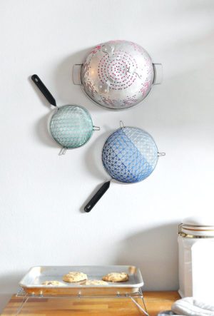 329-diy-embroidered-strainer-art