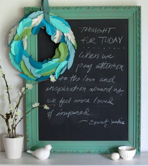 700-making-a-wreath-from-paper-feathers