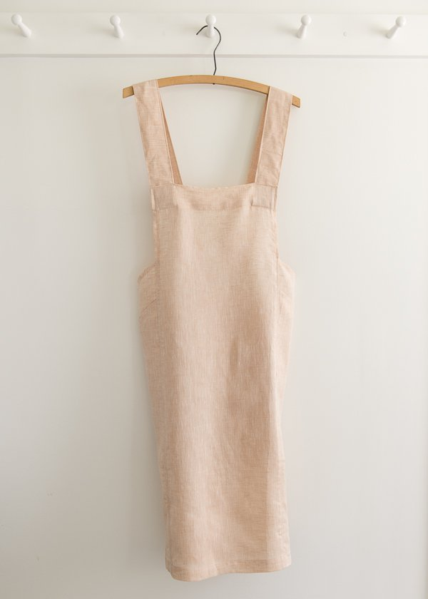 522-cross-back-apron-in-watercolor-linen