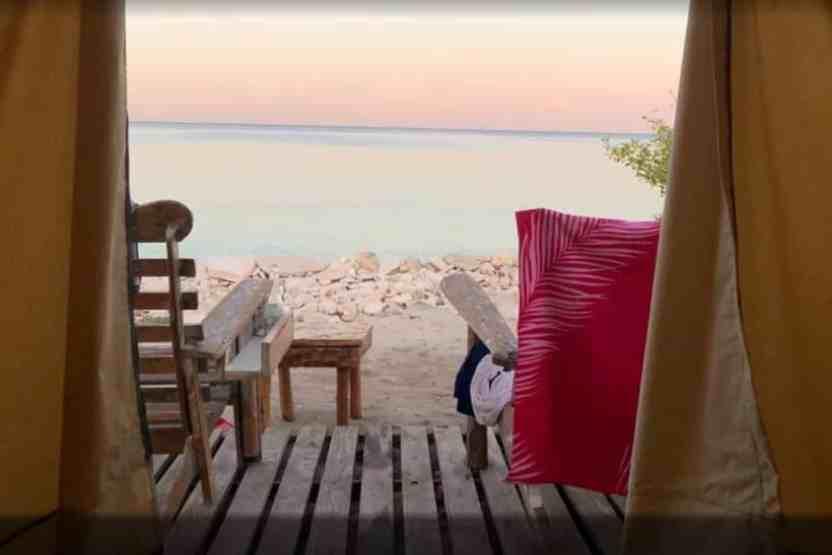 Experiencia de glamping Bahía de las águilas desde Santo Domingo
