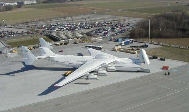 طائرات عملاقة -  معلومات عن اناتوف 225 اكبر طائرة بالعالم