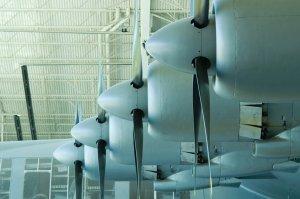 طائرة---هوارد-هيوز-ال-عملاقة-6--اكبر-طائرة-بالعالم