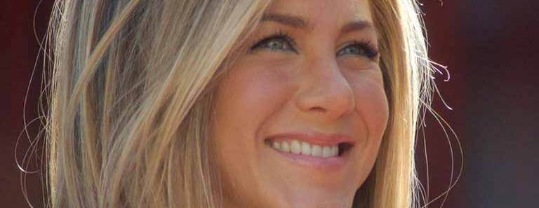 Jennifer Aniston wiki, age, Affairs, Family, favorites and More