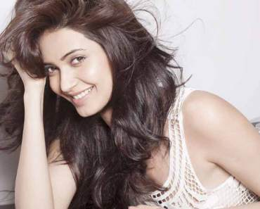 Karishma Tanna wiki, Age, Affairs, Net worth, Favorites and More