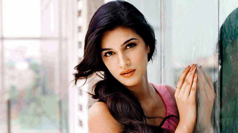 Kriti Sanon wiki, Age, Affairs, Net worth, Favorites and More