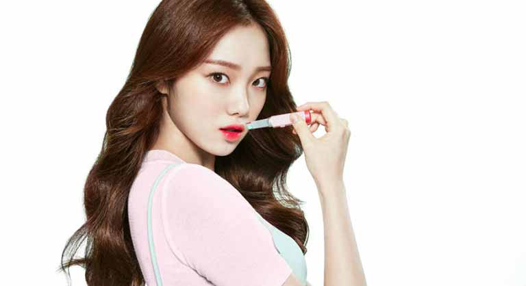 Lee Sung Kyung profile, age, boyfriend, movies, family and