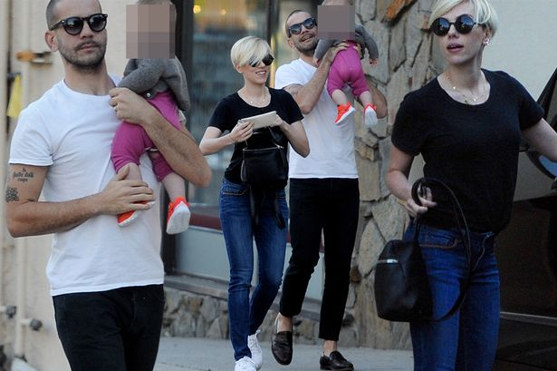 Scarlett-Johansson-husband and daughter