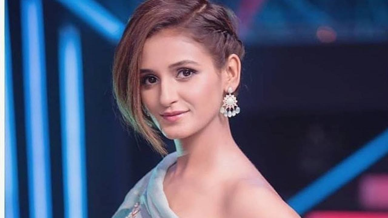 Shakti Mohan Age, Height, Weight, Dance, Boyfriend, Family