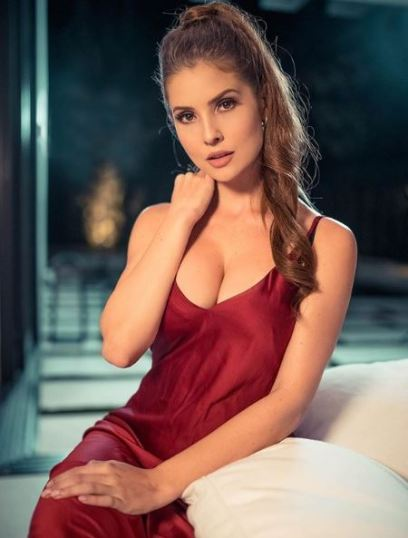 Amanda Cerny hot