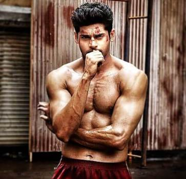 actor Abhimanyu Dasani body