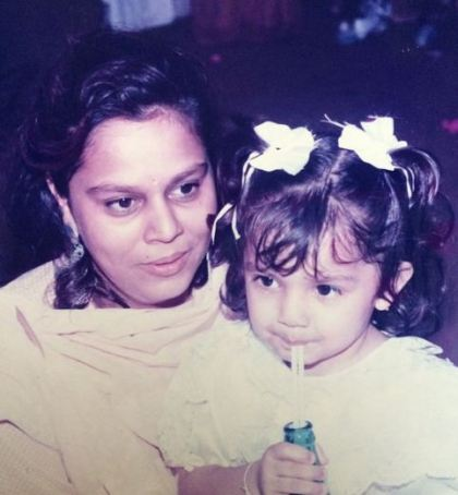 Childhood Photo of Tara Alisha along with Aunt