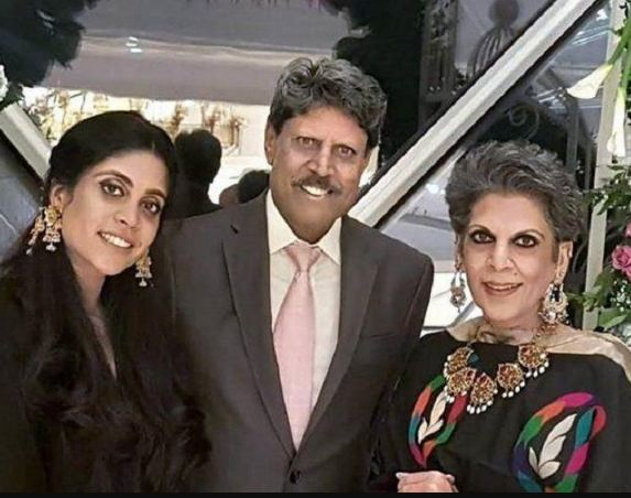 Romi Bhatia with husband and daughter