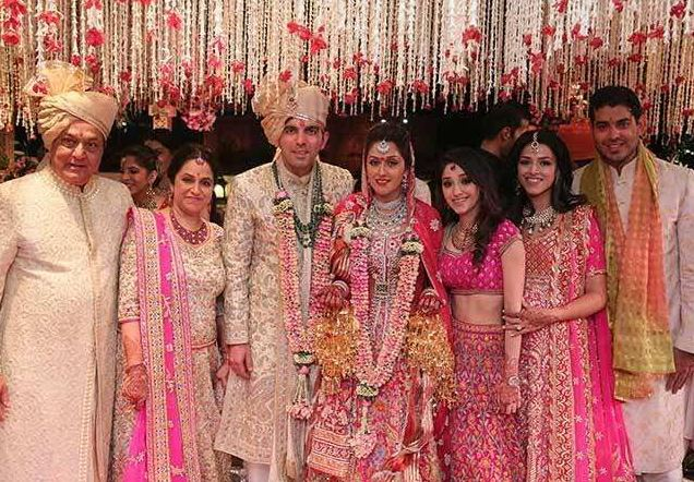 Roshini Kapoor Family during Marriage