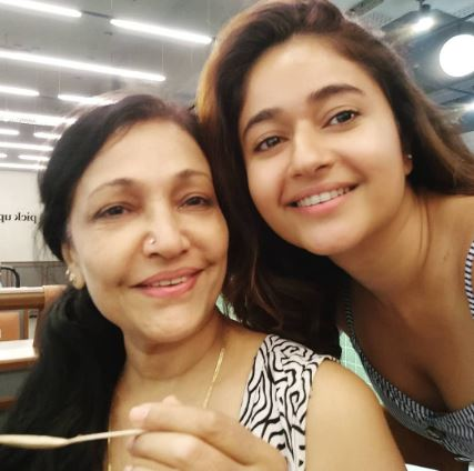 Actress Poonam Bajwa with mother