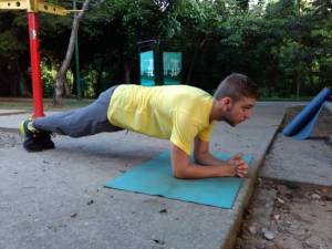 plank ejercicio isometrico