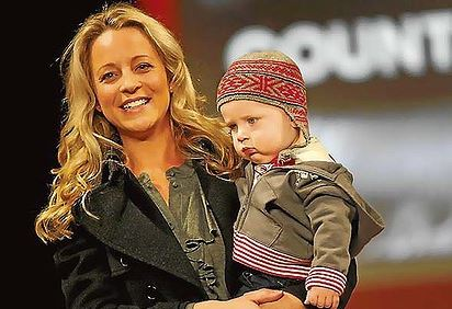 Carrie Bickmore Wiki