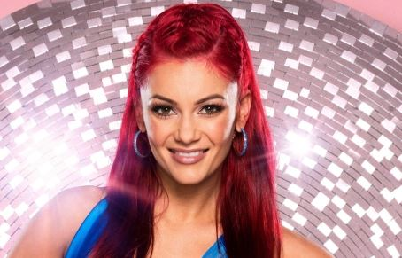 Dianne Buswell Wiki