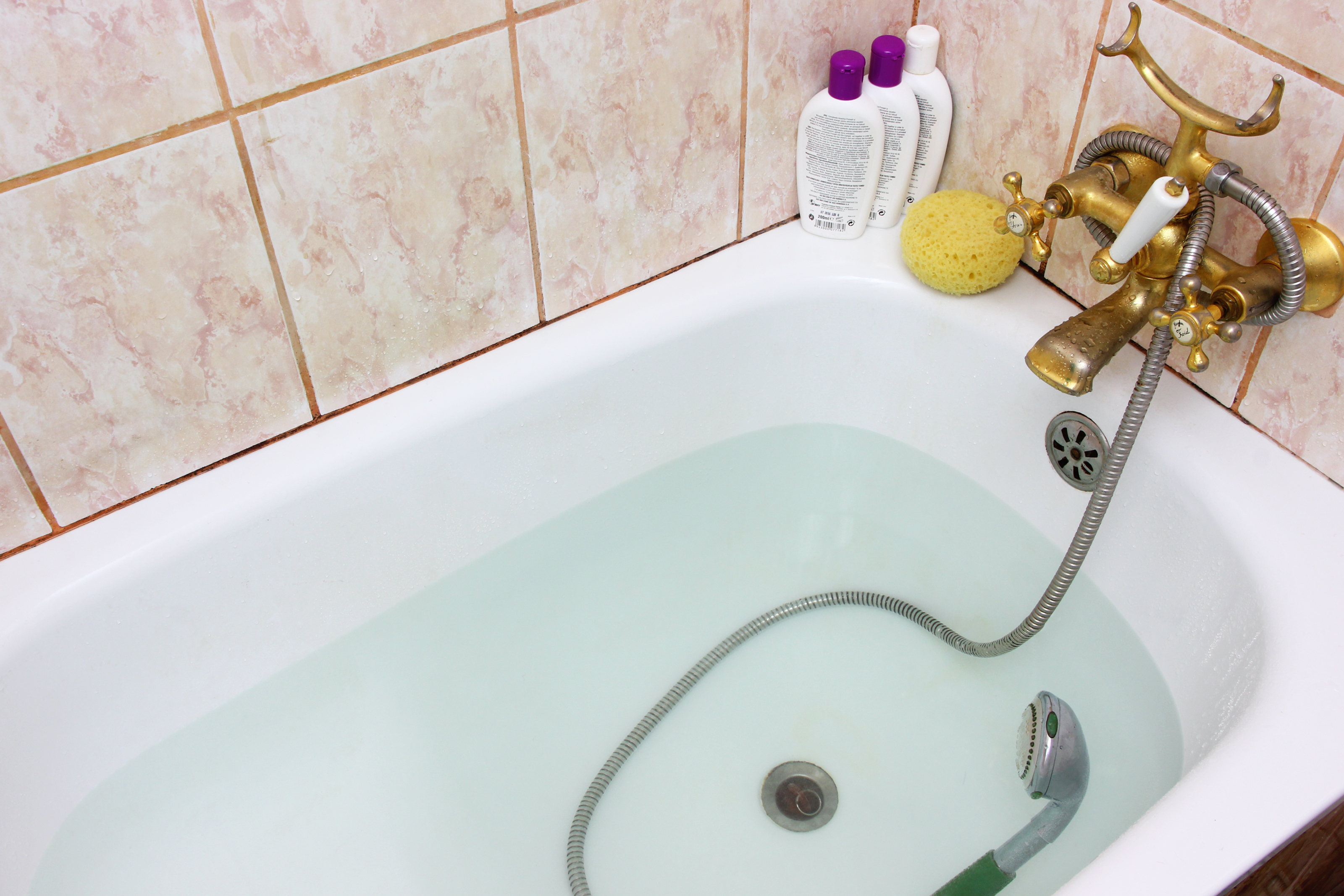 Best Way To Clean Bathroom How To Clean A Shower Tub The Easy Way 4 Steps With Pictures