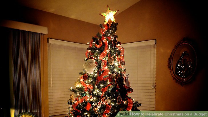 How To Celebrate Christmas On A Budget: 10 Steps (with