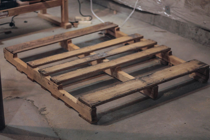 How To Build A Planter Box From Pallets: 12 Steps (with