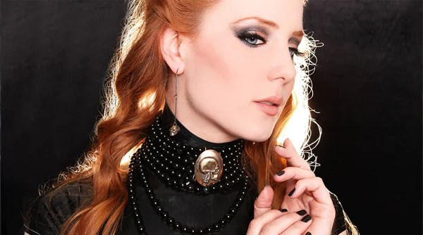 Simone Simmons - Vozes femininas do Metal