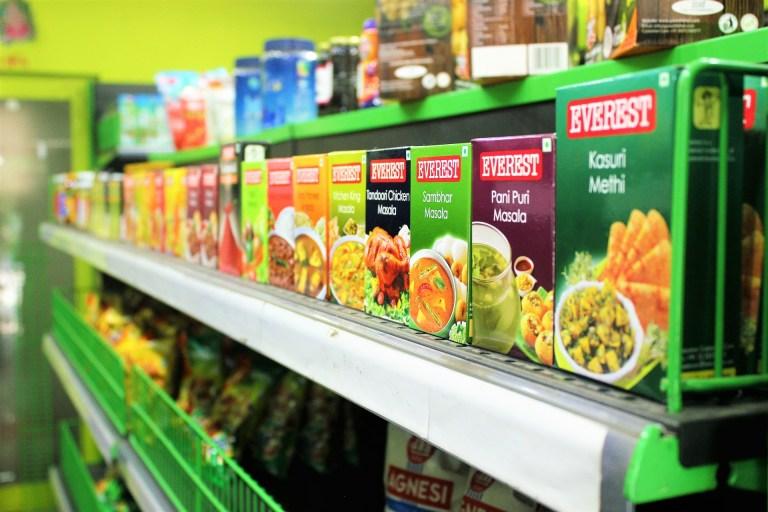 En plus du Nutri-score, un nouvel indicateur devrait bientôt apparaître sur les étiquettes alimentaires : le CO2-Score.  Ce dernier compte parmi les propositions de la Convention citoyenne pour le  climat en juin 2020.
