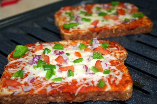 bread-pizza
