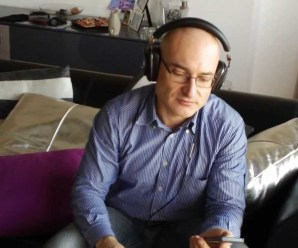 Bowers & Wilkins P3 Series 2 Foldable and Portable Headphone Review