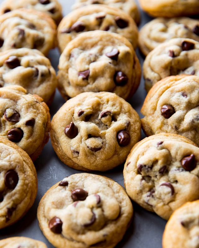 soft-baked-chocolate-chip-cookies-3