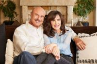 Robin McGraw Wiki, Husband, Divorce, Twin, Net Worth ...