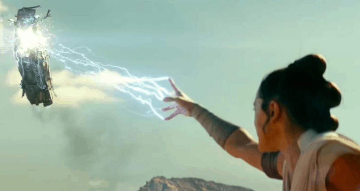 Rey Using Force Lightning