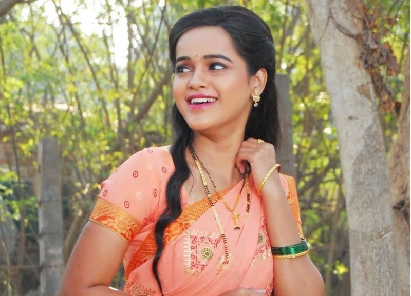 Chinmayee Salvi Height, Weight, Age, Affairs, Biography & More