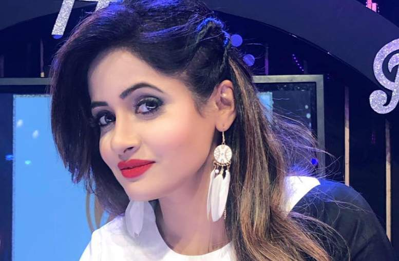 Miss Pooja Biography, Height, Weight, Net Worth, Family, & More