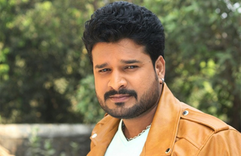 Ritesh Pandey Biography, Wife, Age, Height, Family & More
